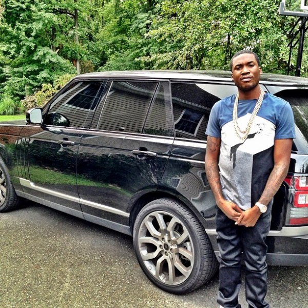 "Meek Mill Tells Rivals To ""Handle Me On Sight"""