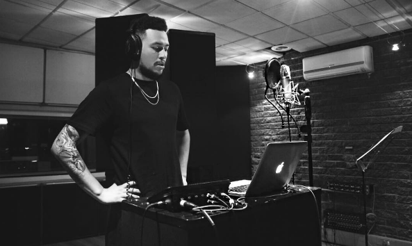 AKA Talks Being A Perfectionist And Finishing His Upcoming Single