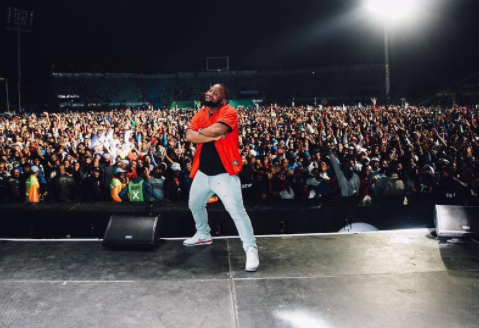 Watch Cassper Nyovest Kill His Performance in Dubai