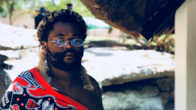 Sjava Receives Musician Of The Year Award In Protest Fashion